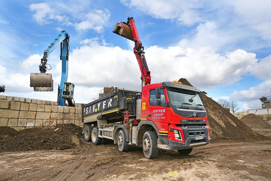 Sivyer's Construction Materials Tipper Fleet Benefits from Ground-Breaking Freeway System