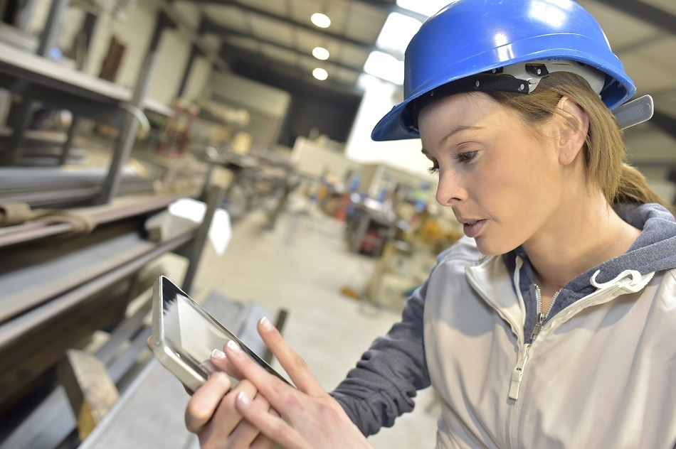 How STEM Industries can Attract more Females into the Sector