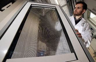 Smart Window for Enhancing Building Energy Efficiency